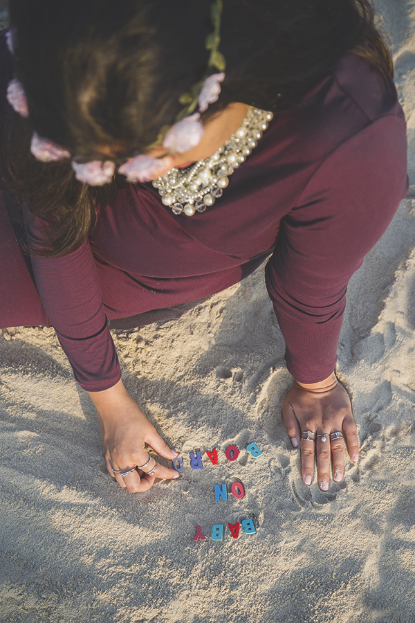 outdoor beach maternity photography dubai